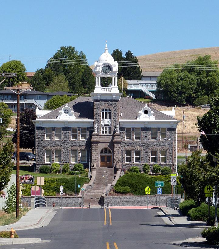 Morrow_County_Courthouse_-_Heppner_Oregon
